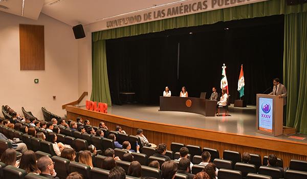 Egresada UDLAP refrenda su calidad profesional a nivel internacional