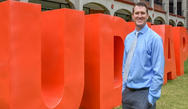 Egresada de la UDLAP se hizo acreedora del UK Alumni Award del British Council